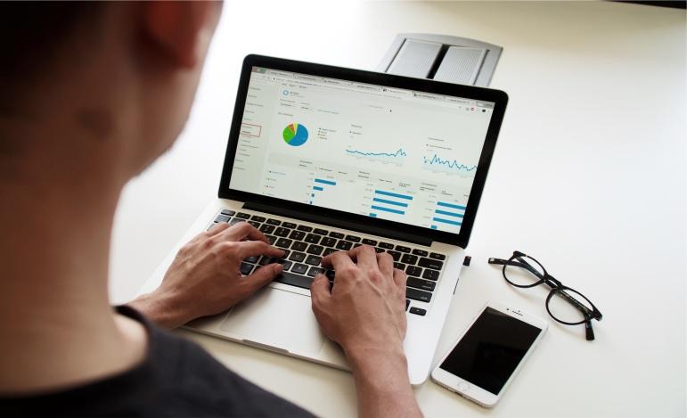 Chcesz sprawniej analizować dane? Poznaj Power BI!