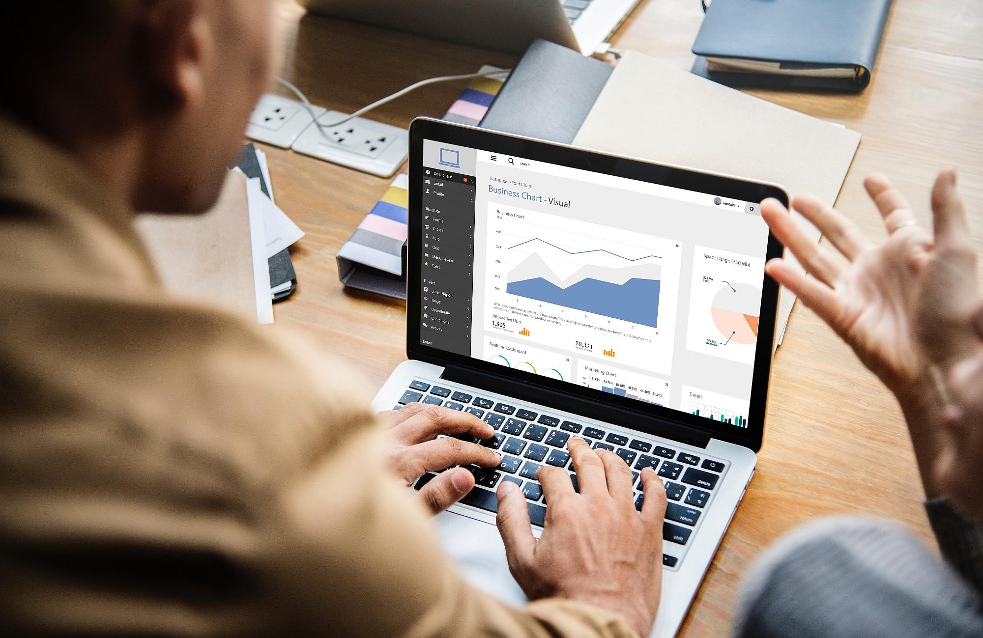 Power BI czy Tableau – porównanie biznesowe dwóch systemów do analizy danych